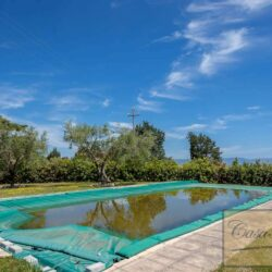 Farmhouse with Olives + Pool near Montepulciano 13