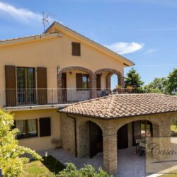 Farmhouse with Olives + Pool near Montepulciano 16