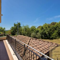 Farmhouse with Olives + Pool near Montepulciano 17