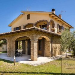 Farmhouse with Olives + Pool near Montepulciano 2