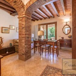 Farmhouse with Olives + Pool near Montepulciano 5