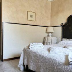 House with Pool for sale near Sarteano Tuscany (3)-1200