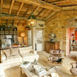 Chianti Farmhouse with Pool and 2 Hectares 21