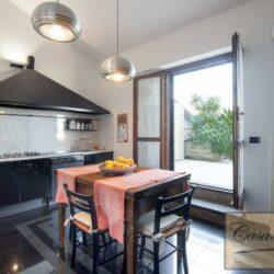 Penthouse Apartment with Terrace in Central Viareggio 24