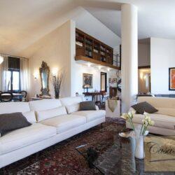 Penthouse Apartment with Terrace in Central Viareggio 27
