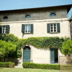 Renovated Prestigious Villa in Historic Lari 6