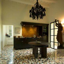 Prestigious Villa in Historic Lari 15