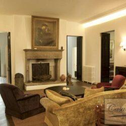 Prestigious Villa in Historic Lari 18