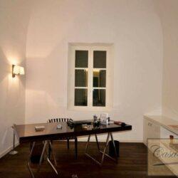 Prestigious Villa in Historic Lari 21