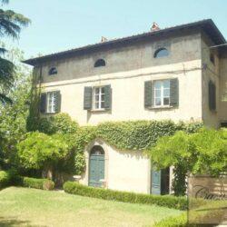 Renovated Prestigious Villa in Historic Lari 5