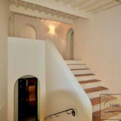 Prestigious Villa in Historic Lari 22