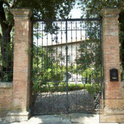 Renovated Prestigious Villa in Historic Lari 4