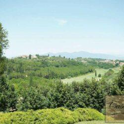Prestigious Villa in Historic Lari 11