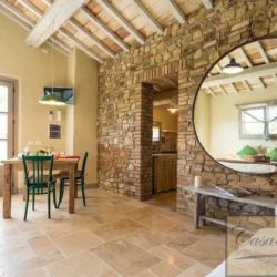 Property with pool for sale near Citta della Pieve, Umbria (11)