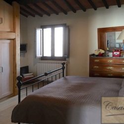 Property with pool for sale near Citta della Pieve, Umbria (8)