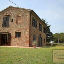 Renovated Peccioli Farmhouse with Pool and Loggia 58