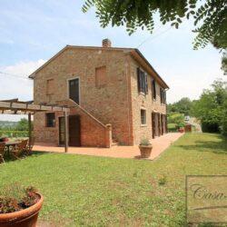 Renovated Peccioli Farmhouse with Pool and Loggia 62