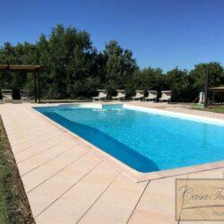 Renovated Peccioli Farmhouse with Pool and Loggia 36