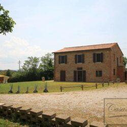 Renovated Peccioli Farmhouse with Pool and Loggia 54