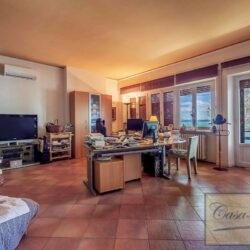 Waterfont Villa With Large Garden and Private Marina 16
