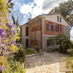 Waterfont Villa With Large Garden and Private Marina 21