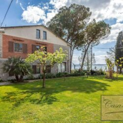 Waterfont Villa With Large Garden and Private Marina 22