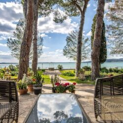 Waterfont Villa With Large Garden and Private Marina 24