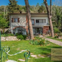 Waterfont Villa With Large Garden and Private Marina 25