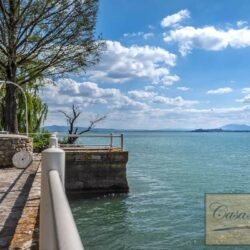 Waterfont Villa With Large Garden and Private Marina 27