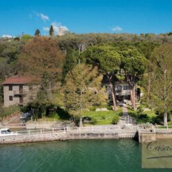 Waterfont Villa With Large Garden and Private Marina 31
