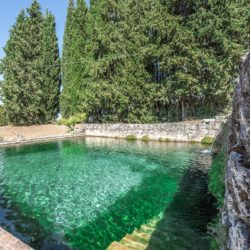 Sarteano Villa with Roman Pool and 2.5 Hectares 4