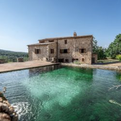 Sarteano Villa with Roman Pool and 2.5 Hectares 1