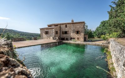Sarteano Villa with Roman Pool and 2.5 Hectares