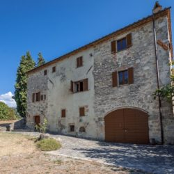 Sarteano Villa with Roman Pool and 2.5 Hectares 7