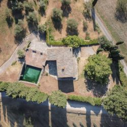 Sarteano Villa with Roman Pool and 2.5 Hectares 3