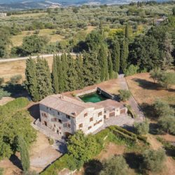 Sarteano Villa with Roman Pool and 2.5 Hectares 2