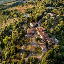 Apartment with Pool for Sale near San Gimignano image 6