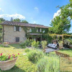 Tuscan Farmhouse with Pool for sale near Panzano in Chianti (1)