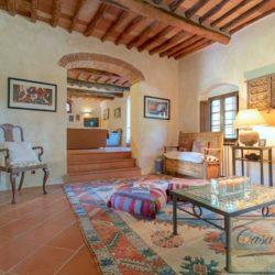 Tuscan Farmhouse with Pool for sale near Panzano in Chianti (14)