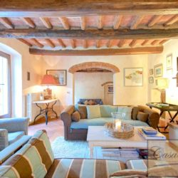 Tuscan Farmhouse with Pool for sale near Panzano in Chianti (18)