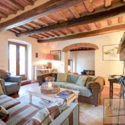 Tuscan Farmhouse with Pool for sale near Panzano in Chianti (19)