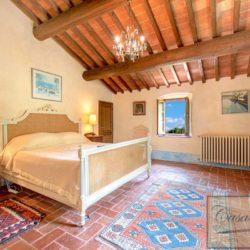 Tuscan Farmhouse with Pool for sale near Panzano in Chianti (25)