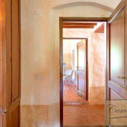 Tuscan Farmhouse with Pool for sale near Panzano in Chianti (29)