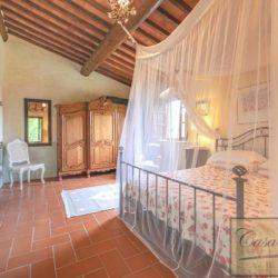 Tuscan Farmhouse with Pool for sale near Panzano in Chianti (31)