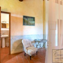 Tuscan Farmhouse with Pool for sale near Panzano in Chianti (32)