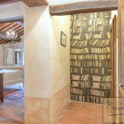 Tuscan Farmhouse with Pool for sale near Panzano in Chianti (35)