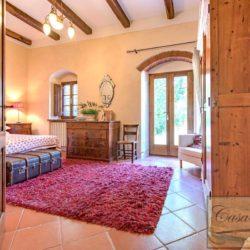 Tuscan Farmhouse with Pool for sale near Panzano in Chianti (38)