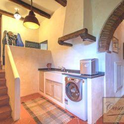 Tuscan Farmhouse with Pool for sale near Panzano in Chianti (40)