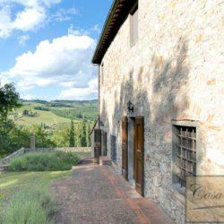Tuscan Farmhouse with Pool for sale near Panzano in Chianti (42)
