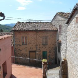 V1910 Tuscan Village House for sale (16)-1200